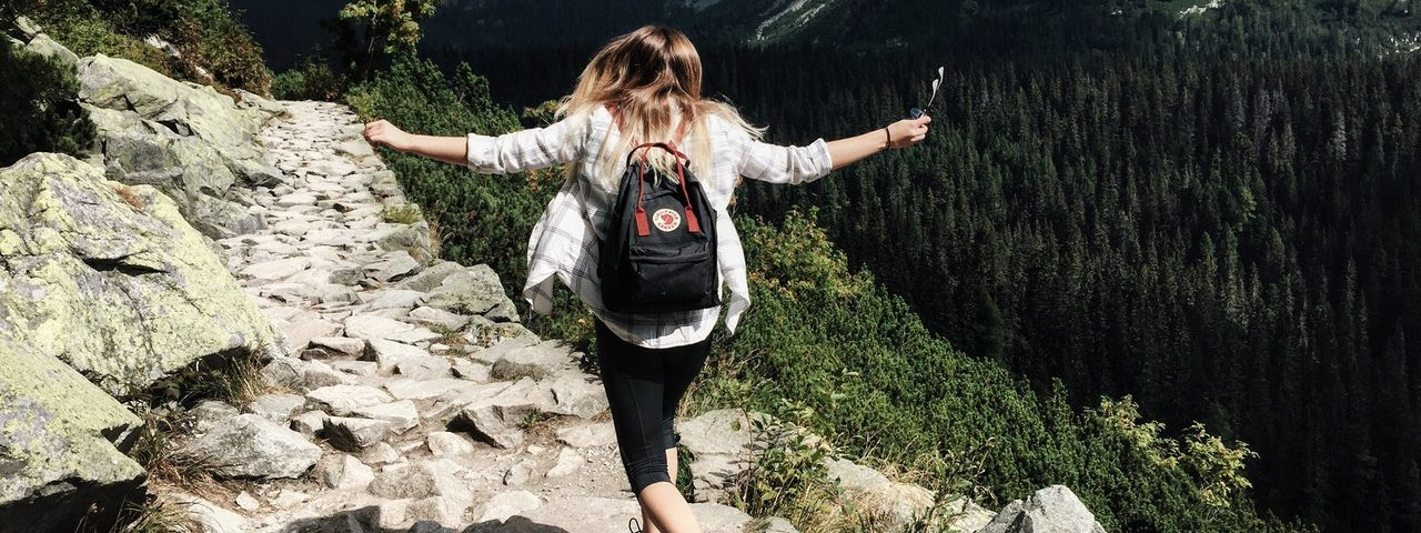 As melhores férias só para mulheres aventureiras de todas as idades (Foto de Nina Uhlíková no Pexels)